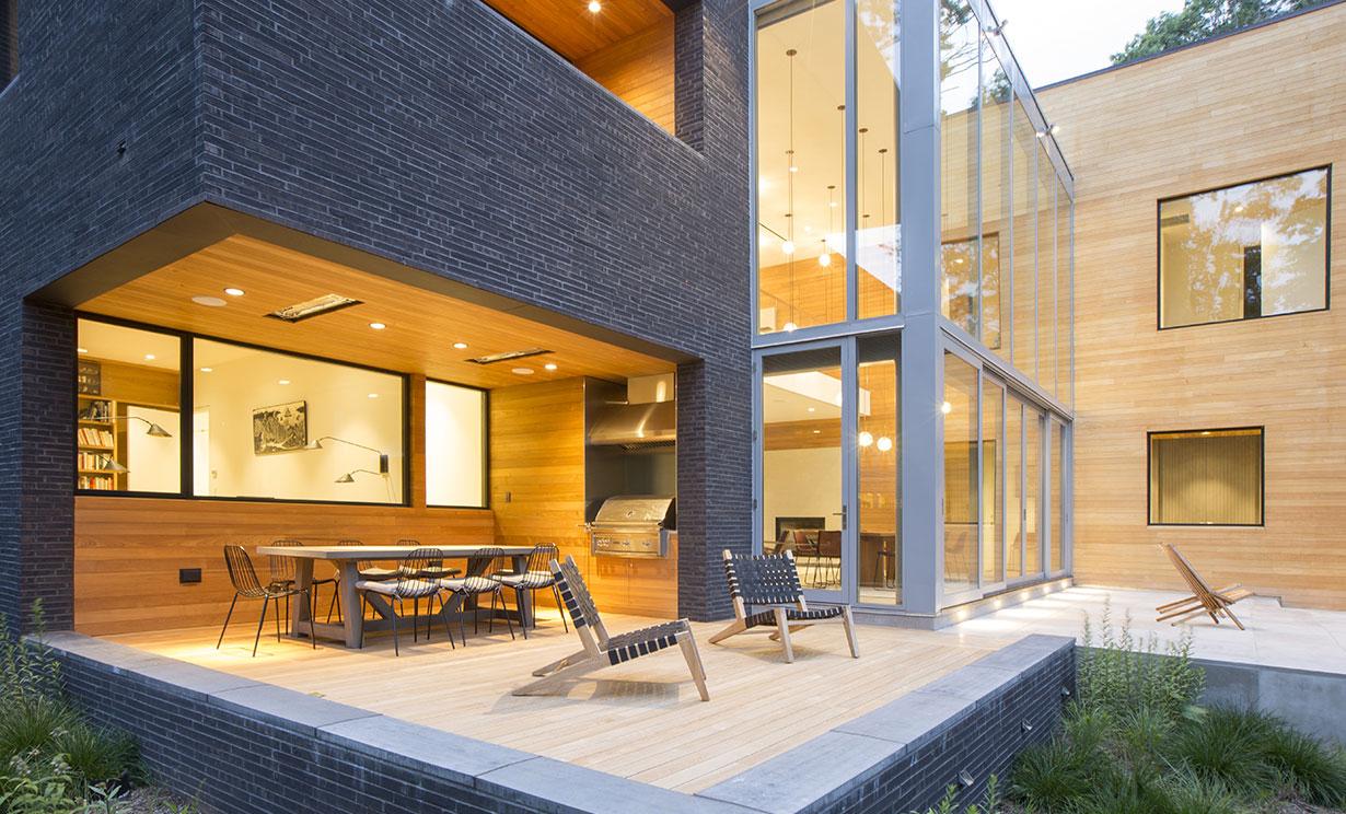 Modern Home on Lake Carnegie 15