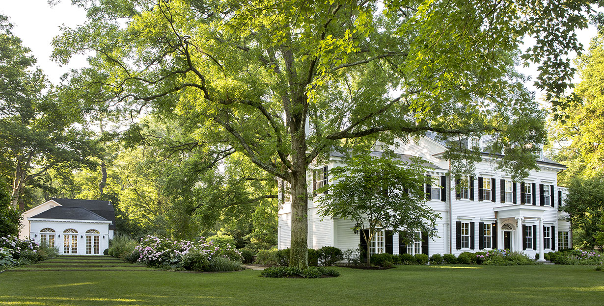 Stately Colonial Home & Carriage House 2